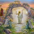 Jesus Kristus kommer ud af graven sejrende og engle knæler for ham.