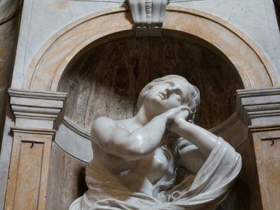 Marmorskulptur af Maria Magdalenee